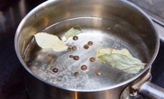 Как варить пельмени в кастрюле