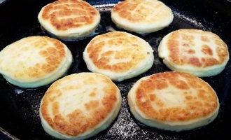 Как делать сырники из творога на сковороде