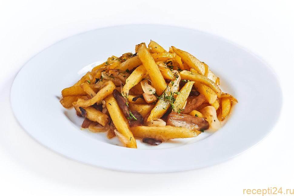 Как жарить картошку на сковороде с луком