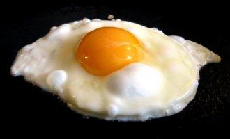 Прожариваем яйца