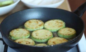 Как жарить кабачки на сковороде