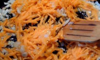 Прожарка лука и моркови